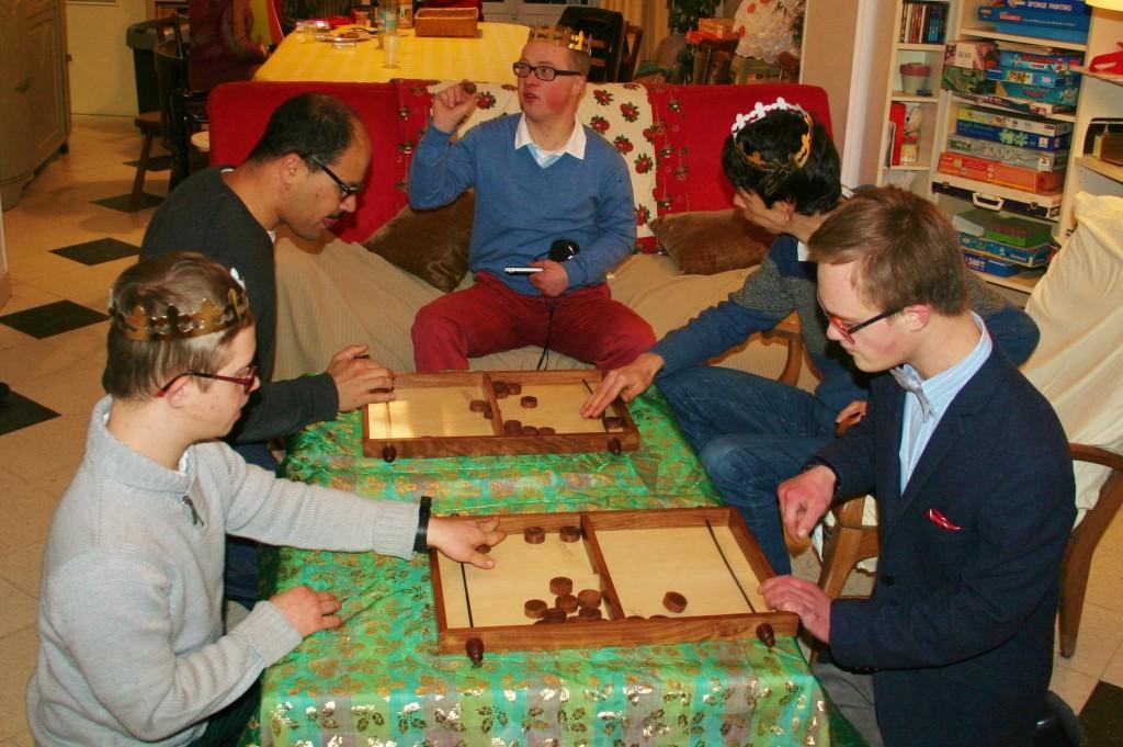 Le groupe d'amitié des jeunes hommes handicapés mentaux de Versailles (© Maisons-Saint-Joseph)